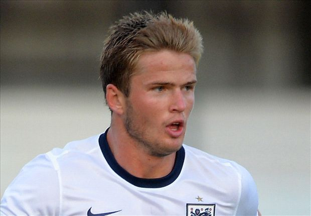 Tottenham agree £4m deal for Dier