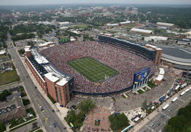 El Estadio de Michigan, de bote a bote