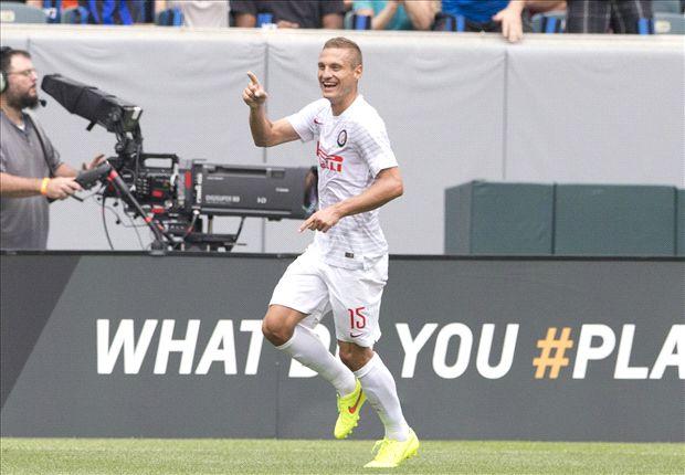 Mazzarri proud of 'top class' Vidic after first Inter goal
