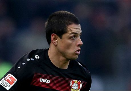 Chicharito completes West Ham move