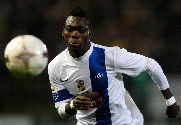 Everton and Chelsea agree on Atsu loan - Roberto Martinez