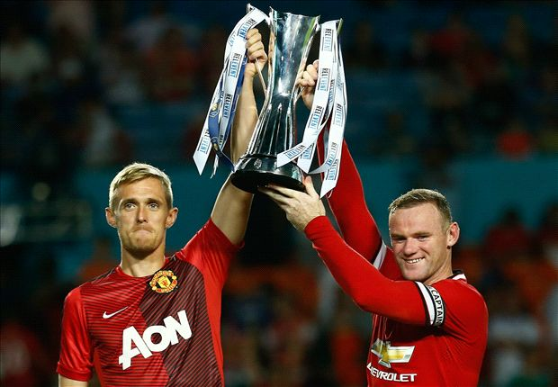 Louis van Gaal secures first Manchester United trophy