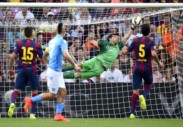 Napoli 1-0 Barcelona: Bravo howler gives Partenopei the win