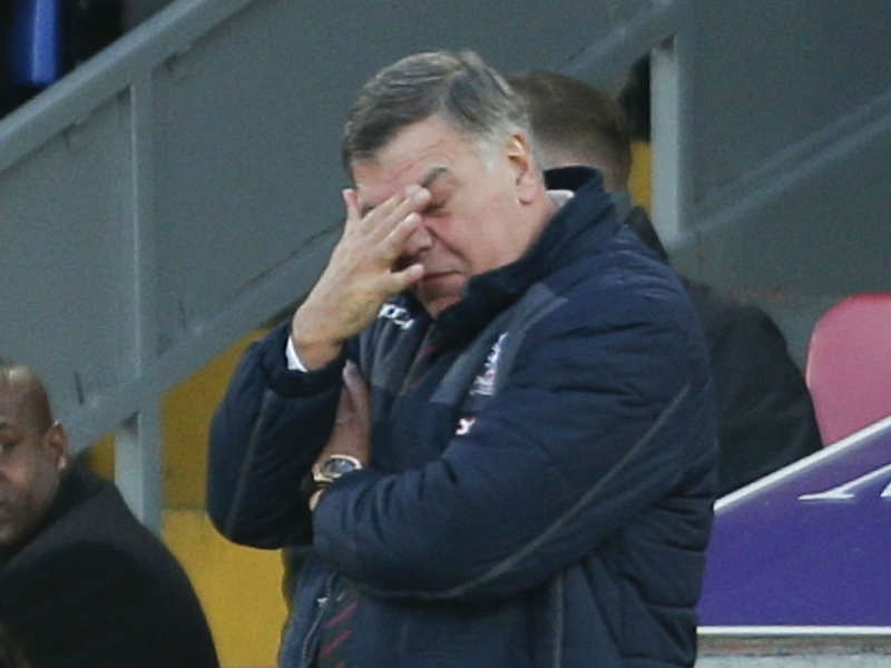 Allardyce apologises to fans for fearful Palace