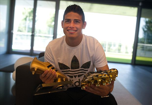 James receives World Cup Golden Boot