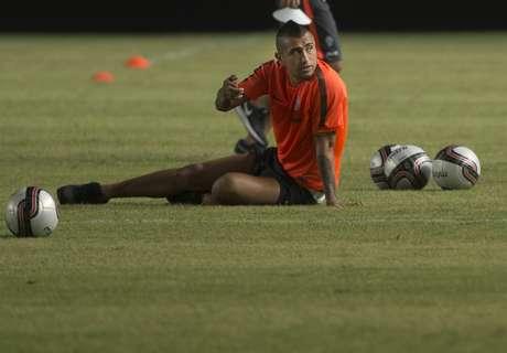 Chili, Vidal dément les rumeurs sur son genou