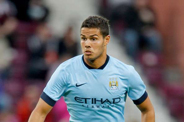 Rodwell: Manchester City could ruin your career