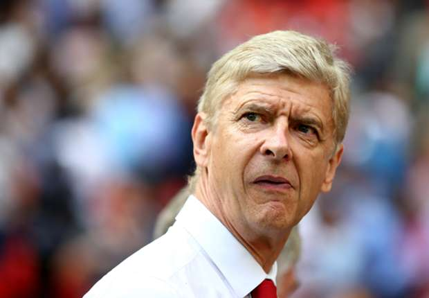 Wenger: I still want to sign a centre-back