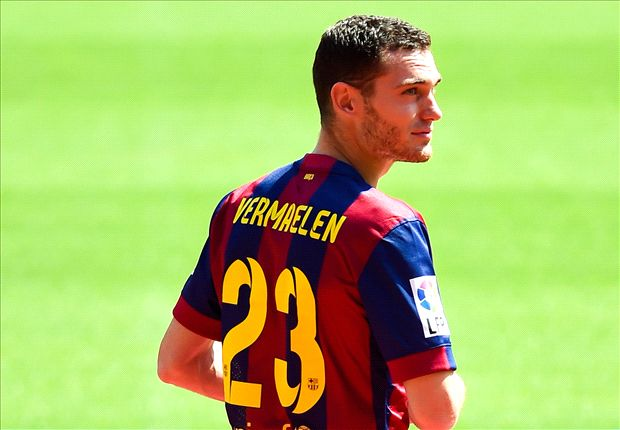 Official: Barcelona sign Vermaelen from Arsenal
