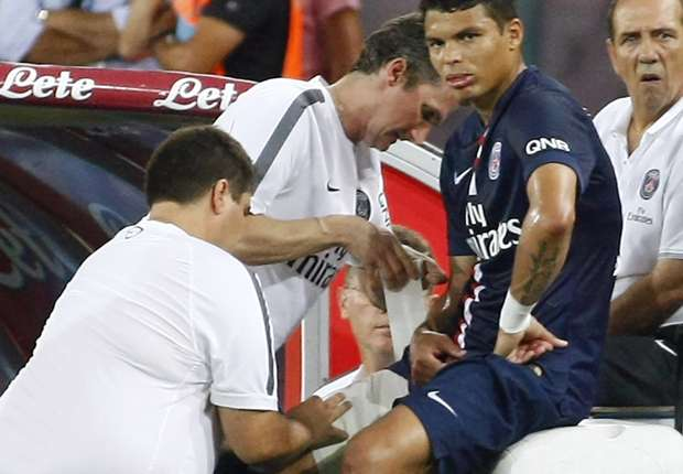 Thiago Silva injury darkens Paris Saint-Germain win, admits Blanc