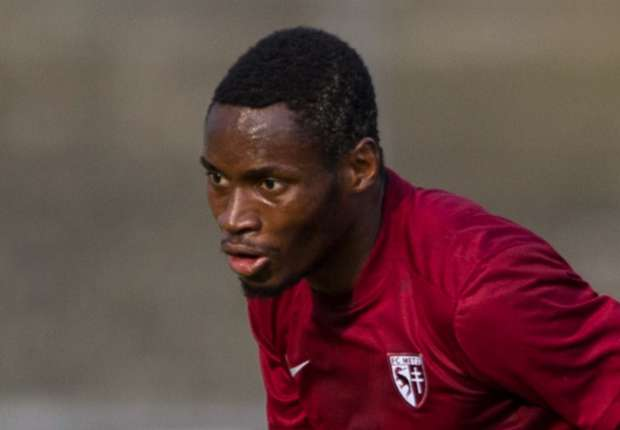 Metz pull plug on West Ham's deal for Diafra Sakho