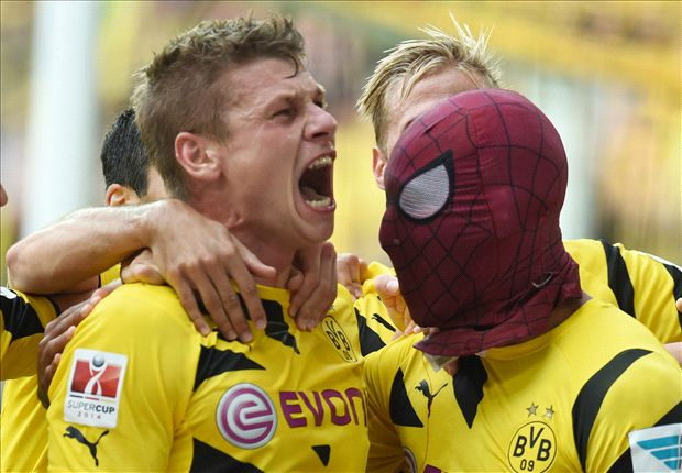 What a marvel! Aubameyang celebrates in Spiderman mask