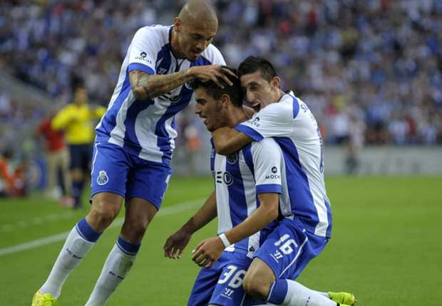 Porto 2-0 Maritimo: Teenager Neves enjoys dream debut