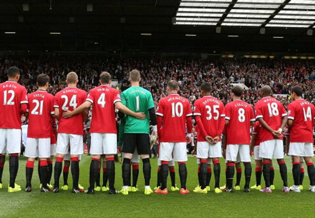 Rooney & Manchester United mark season-opener with name-swap stunt