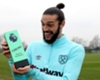 Carroll beats Giroud to PL goal award