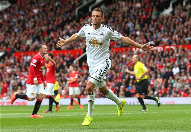 Manchester United 1-2 Swansea City: Sigurdsson condemns Van Gaal to opening day defeat