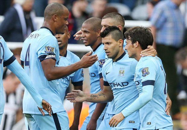 Jugadores del Manchester City celebrando un gol
