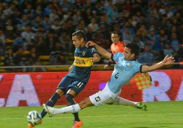 Carrizo sacó el derechazo que se estrelló en el travesaño. El ex-Central fue el mejorcito de Boca.
