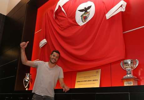 Benfica sign Julio Cesar