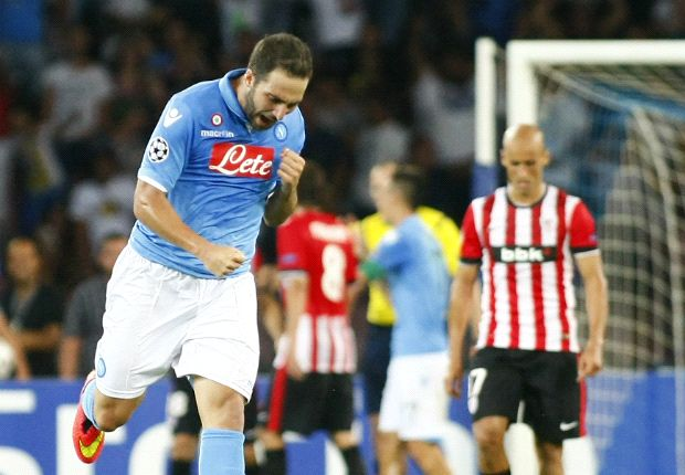 Pressure on Athletic, insists Napoli boss Benitez