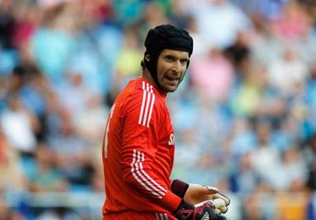 Cech won't rule out Chelsea exit