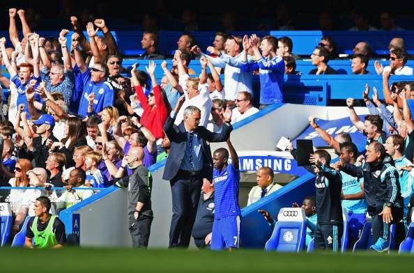 Abre los brazos, celebra, disfruta de su Chelsea.