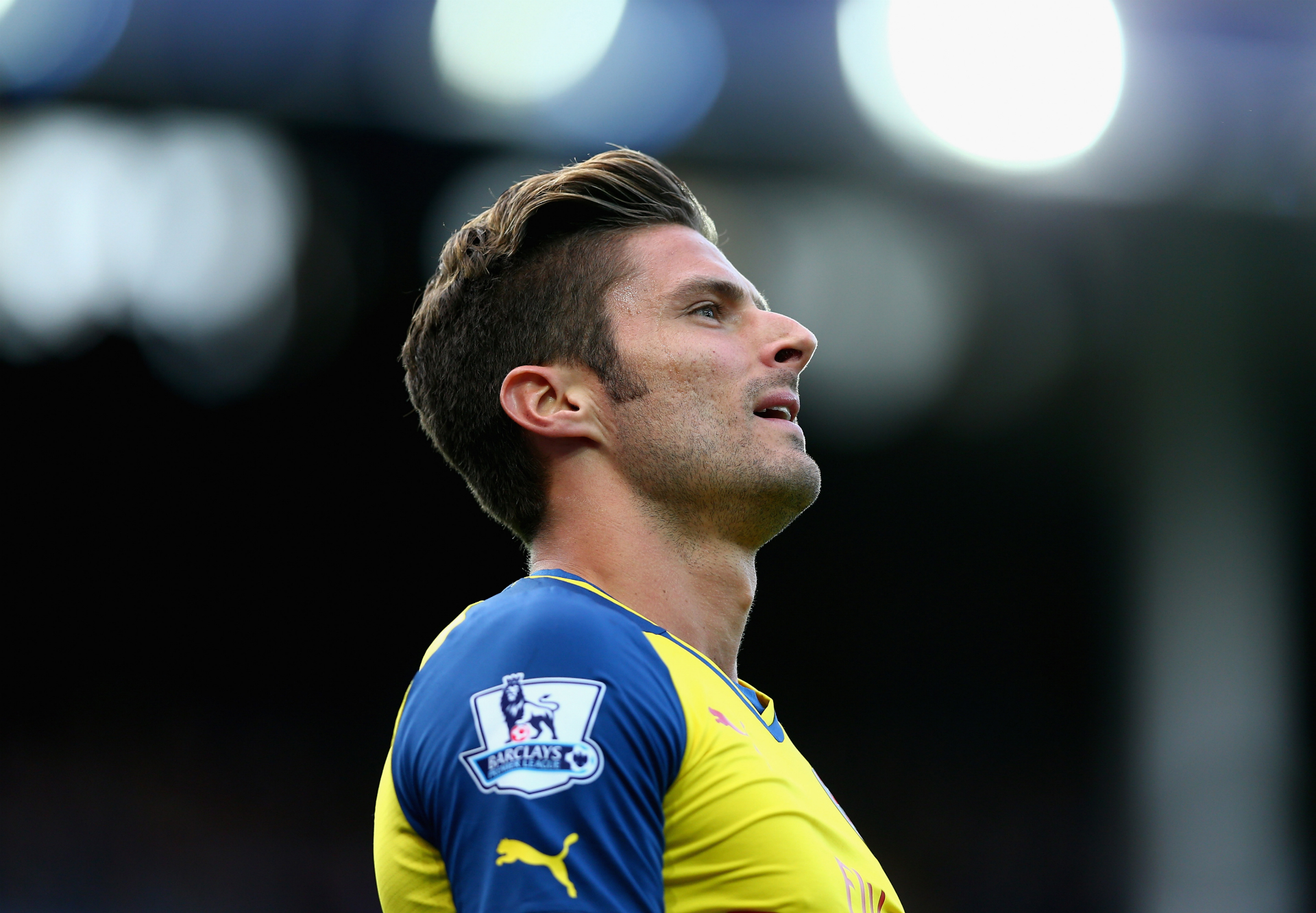 Who can replace injured Giroud at Arsenal?