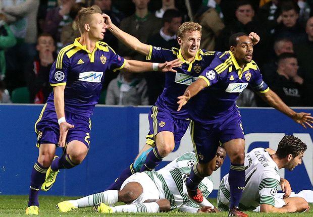 El Maribor, celebrando el gol en el Celtic Park que le daba el pase a la Champions League