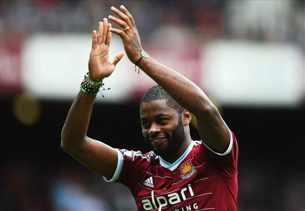 Official: West Ham loan Alex Song from Barcelona