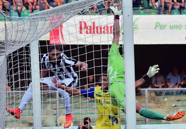 Juventus debutó en la Serie A con un triunfo ante Chievo
