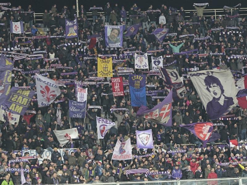 Fiorentina, tifosi fuori dal 'Franchi' contestano la famiglia Della Valle