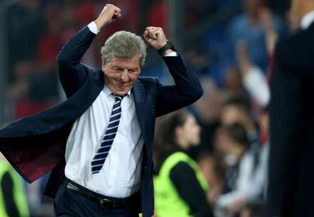 Hodgson girang Inggris jadi tuan rumah.