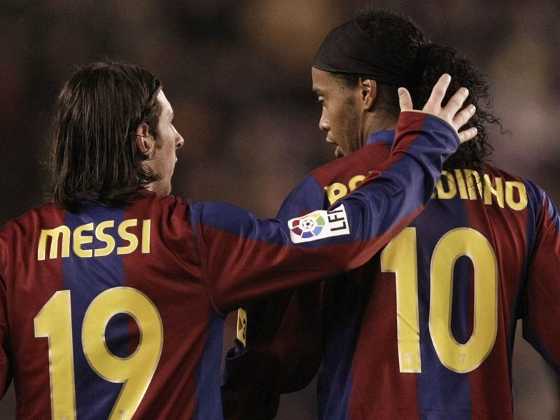 Ronaldinho & Aguero lead Messi tributes after 500th Barcelona goal