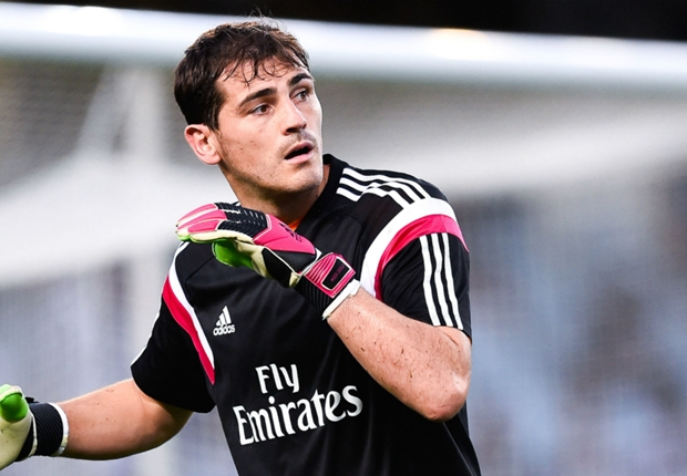 Casillas is one of the best in history, says Roberto Carlos