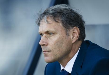 AZ, Van Basten pourrait démissionner