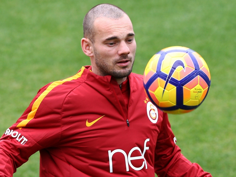 Nice reach agreement with Wesley Sneijder