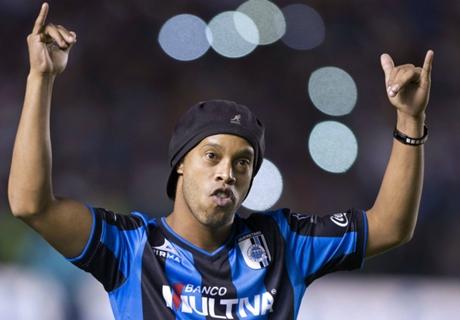 Ronaldinho anota su tercer gol en México