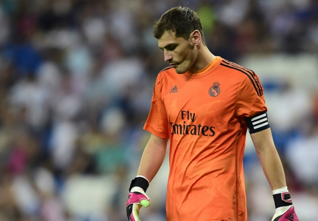 Boos make Casillas worse, says Camacho