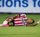 PSV, Depay out six à huit semaines