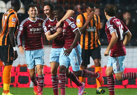 Valencia shines as West Ham grab draw