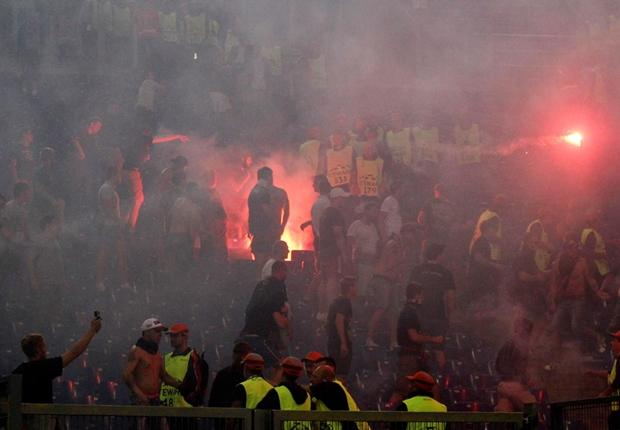 يحقق في حادثة مباراة روما وسيسكا موسكو