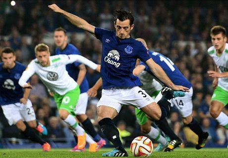 Everton smash four past Wolfsburg