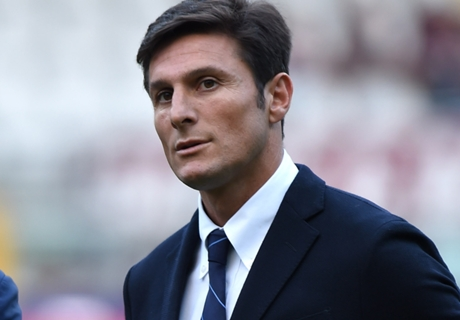 Zanetti welcomes Puyol & Giggs to Milan