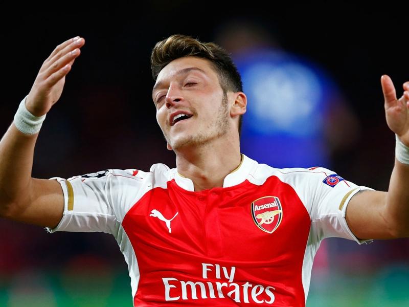 "Arsenal, Ballack : ""Özil ne peut pas aller n'importe où"""