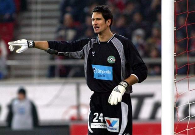 Twente After Xanthi Goalkeeper Michael Gspurning