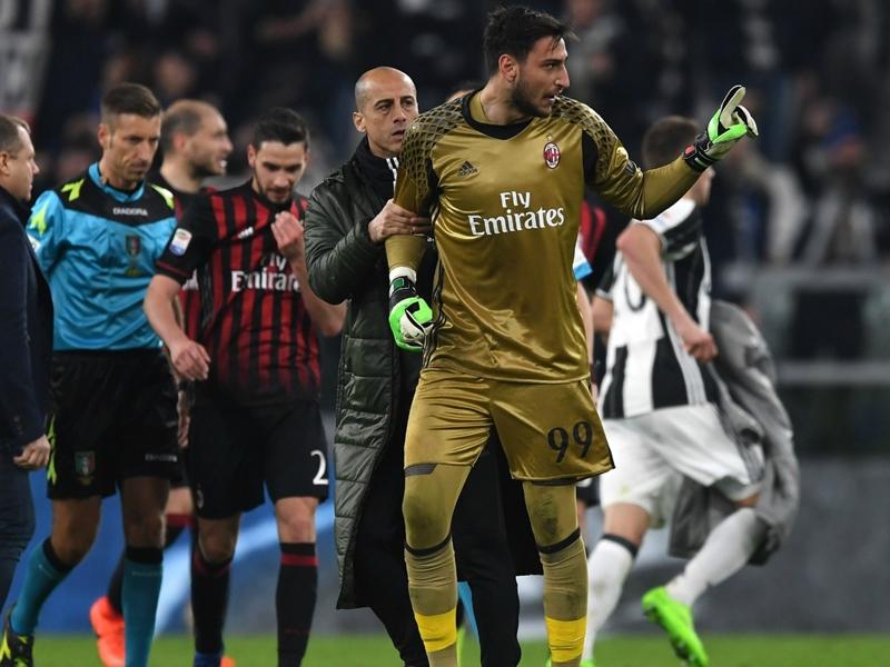 Milan sconfitto, ma c'è stato un Donnarumma super: 9 parate e bacio alla maglia