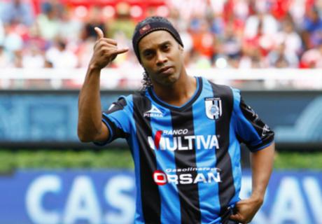 Ronaldinho iría a Angola