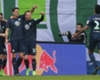 Gomez downs title-chasing Leipzig