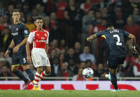 Arsenal dumped out by Clyne screamer