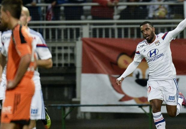 Lyon 4-0 Lorient : Lyon se balade face à Lorient